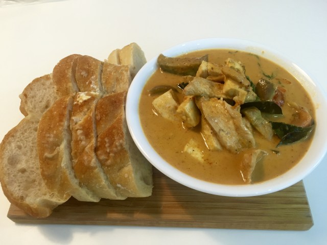 Thai red curry with sourdough baguette