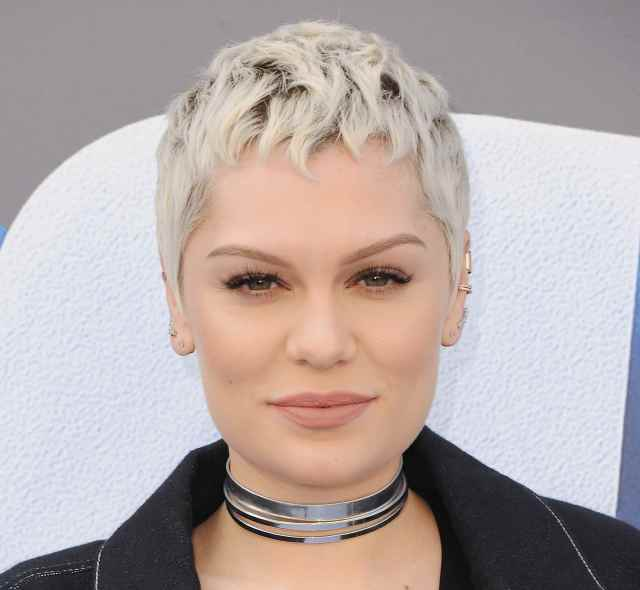 20 short, sleek, and sexy hairstyles
