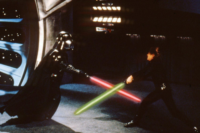 lightsaber combat in star
