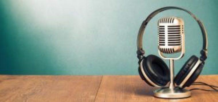 8 copywriting podcasts for Ecommerce Entrepreneurs