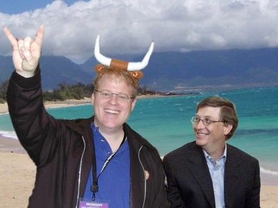 Gates and Scoble on a beach