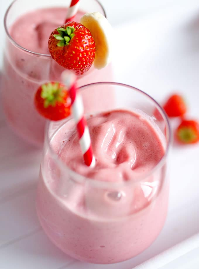 Strawberry banana smoothie in a glass