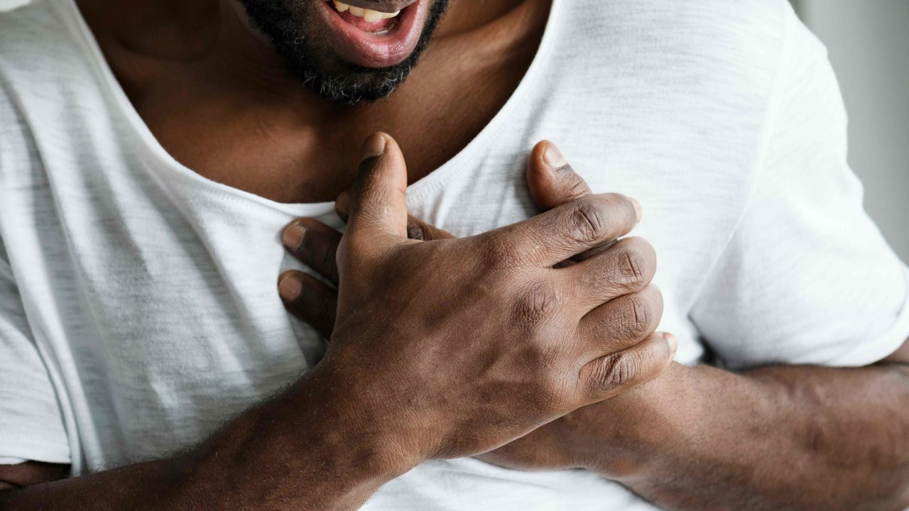 https://i0.wp.com/www.livehealthymag.com/wp-content/uploads/2020/09/chest-pain-scaled.jpg?resize=1280%2C720&ssl=1