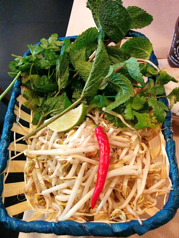 Pho 61 Antwerpen Bean Sprout and Mint Leaves