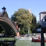 Si restaura il ponte dell'Accademia