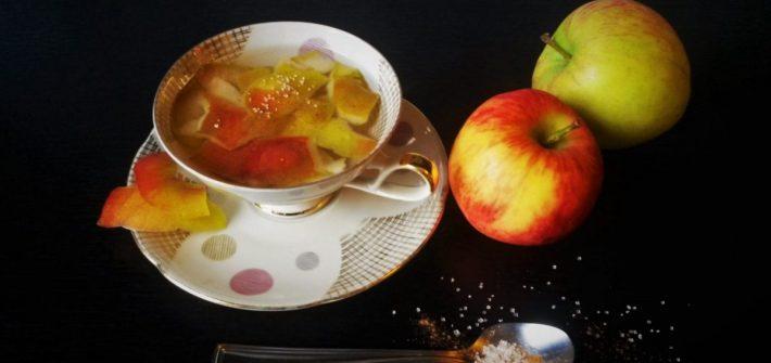 Apfeltee aus Apfelschalen