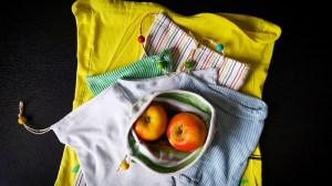 Upcycling-Stoffbeutel verschieden Größen aus Babybodys und T-Shirts