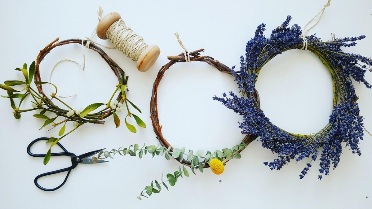 Blumenstrauß-Recycling: Deko-Kranz aus Naturmaterialien binden