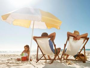 family-getaway-beach-chairs-jpg-rend-tccom-616-462