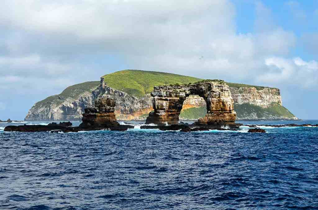 Darwins Arch Galapagos
