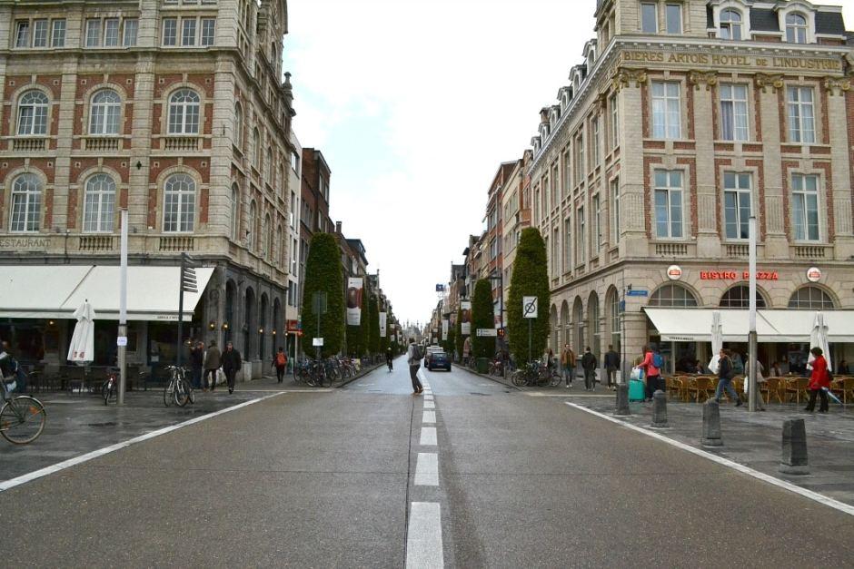 winkelstraat-vanaf-station-leuven
