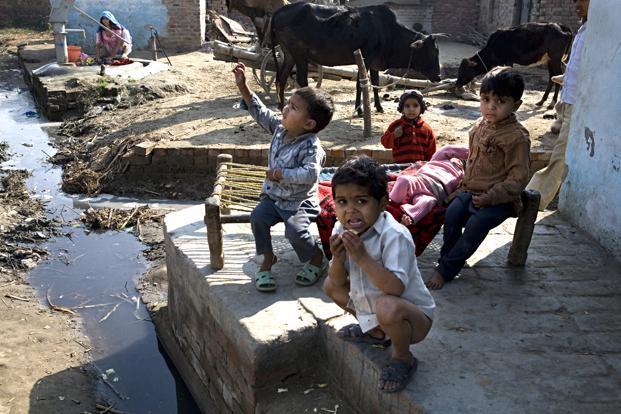 https://i0.wp.com/www.livemint.com/rf/Image-621x414/LiveMint/Period1/2013/08/13/Photos/rural_sanitation--621x414.jpg