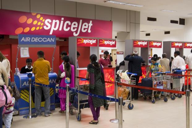 Las aerolíneas también han introducido los cargos como los honorarios de conveniencia para la reserva a través de sus sitios web.  Foto: Menta