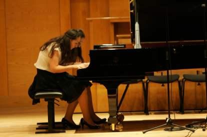 70 Ani und Nia Sulkhanishvili Auftritt (2)