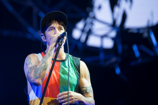 red-hot-chili-peppers-festival-nyon-18-07-2017-12