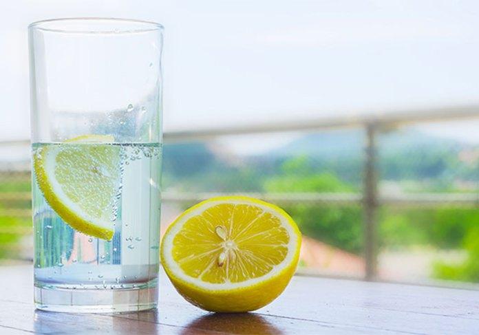 benefits-of-lemon-water-for-skin