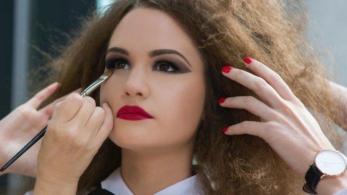 Best Summer Makeup Tips to Sweat-Proof Your Look