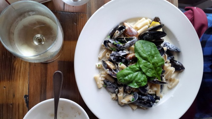 Expat Escapades January 2016 - Lunch at Christophers in Coupeville - LiveRecklessly.com