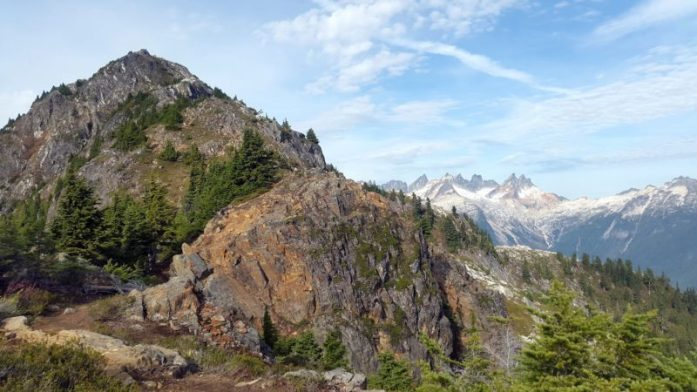Hike Files: Thornton Lakes Trail to Trappers Peak, North Cascades National Park Washington - LiveRecklessly.com