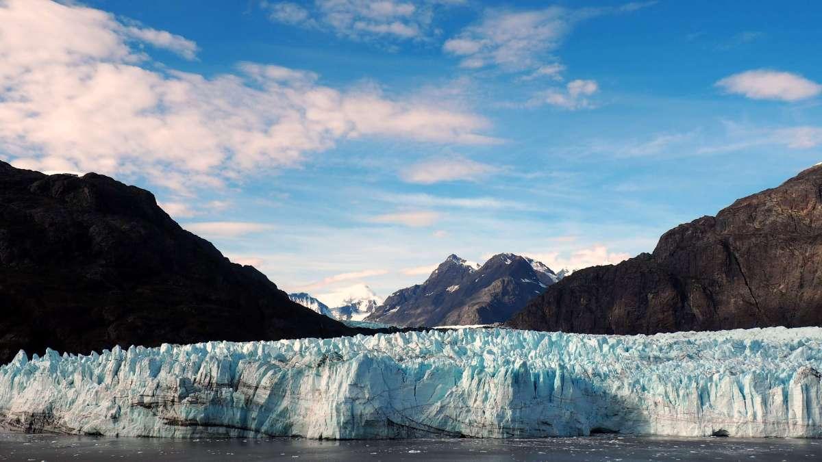 Alaska in Photos - giant glaciers - Live Recklessly