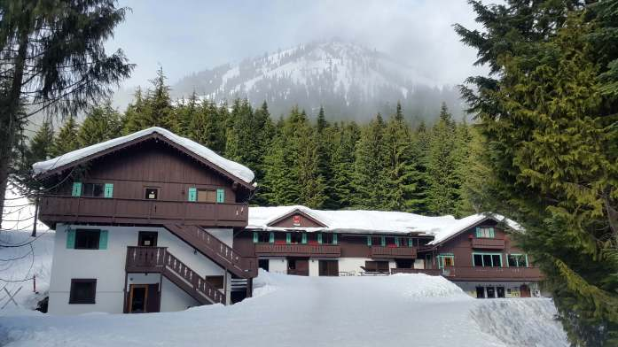 Alpine Inn Crystal Mountain Resort March Expat Escapades 2017