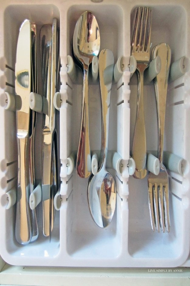 Getting organized takes doing 1 project at a time. This weekend: the silverware drawer!