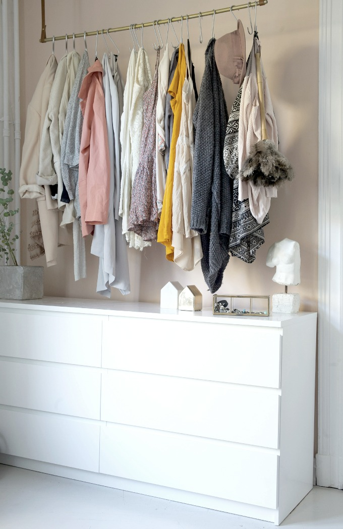 The Latest Closet Trend: S Hook + Hanging Bar!