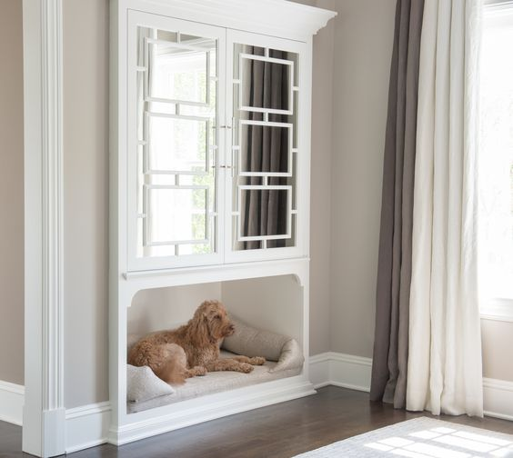 The Ideal Pet-Owner's House: Built In Beds & Pet Crates
