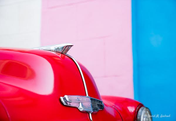 Color, wanderlust, and a taste of the good life from the 2straws print shop.