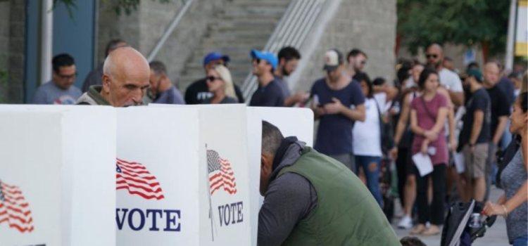 Διχασμός στις ΗΠΑ με τις ενδιάμεσες εκλογές: Τη Γερουσία οι Ρεπουμπλικανοί, τη Βουλή οι Δημοκρατικοί