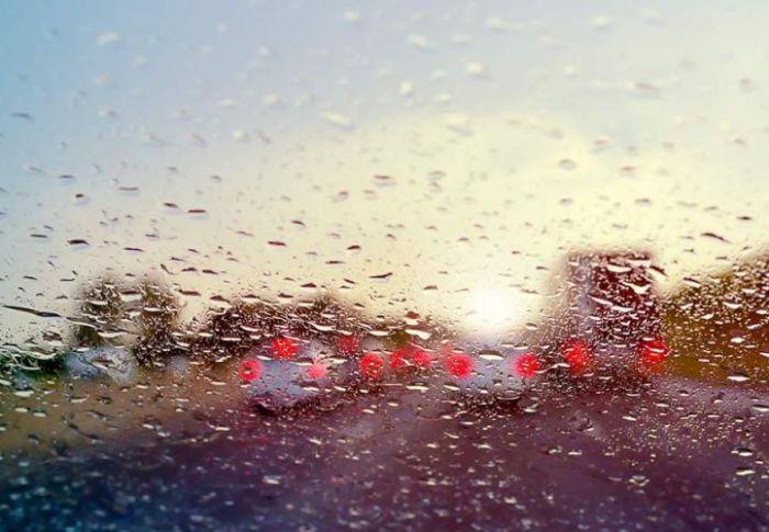 Καιρός: Συννεφιά και βροχές