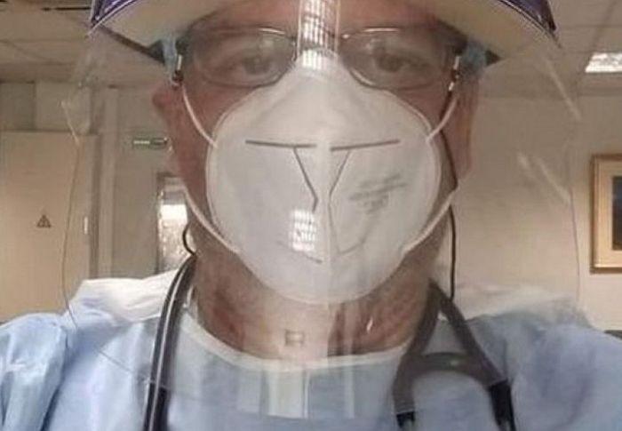 Θεσσαλονίκη: Γιατρός… «προσκαλεί» αρνητές μάσκας στην εφημερία του