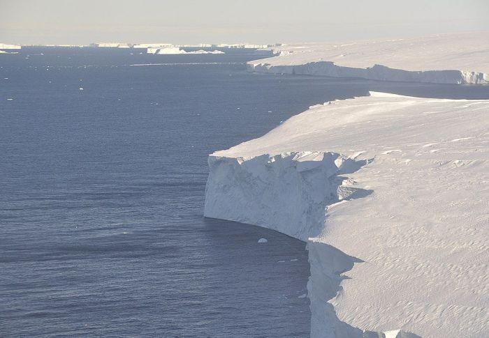 Νέος αόρατος εχθρός για τον «Παγετώνα της Αποκάλυψης» που λιώνει ασταμάτητα