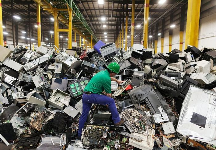 Αυξάνονται τα απόβλητα από ηλεκτρικές συσκευές