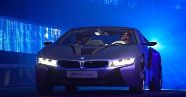 Aυτή-η-απίστευτη-BMW-με-τα-νέα-φώτα-της-AUDI-θα-σας-αφήσει-με-το-στόμα-ανοιχτό-βίντεο