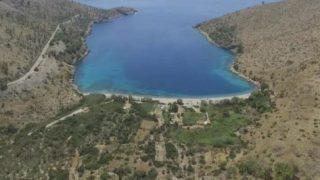 Η μαγευτική παραλία της Χίου «Ελίντα» με τα γαλαζοπράσινα νερά από ψηλά (ΔΕΙΤΕ ΒΙΝΤΕΟ)
