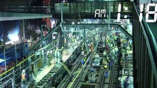 Ιάπωνες εργάτες μετατρέπουν ένα σταθμό τρένου σε υπόγεια στάση μετρό μέσα σε 3,5 ώρες