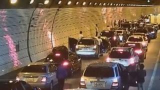 Ένα διδακτικό βίντεο: Δείτε τι κάνουν σε περίπτωση ατυχήματος οδηγοί στην Νότιο Κορέα