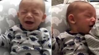 Βίντεο: Χαριτωμένο μωράκι μυρίζει την μητέρα του και σταματάει να κλαίει