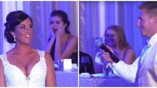 Ο γαμπρός πήρε το μικρόφωνο και τα λόγια του έκαναν τη νύφη να τρέμει… Τότε της ζητάει να κοιτάξει πίσω της!