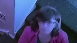 Όλοι Πίστευαν πως Είναι η Καλύτερη Νταντά, όμως η Κάμερα την Κατέγραψε να Κάνει Κάτι Αρρωστημένο στο Παιδάκι…