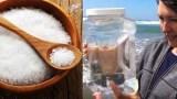 Πήρε Θαλασσινό νερό το έβαλε σε μια κατσαρόλα και άρχισε να το βράζει για να φτιάξει «Σπιτικό» Αλάτι