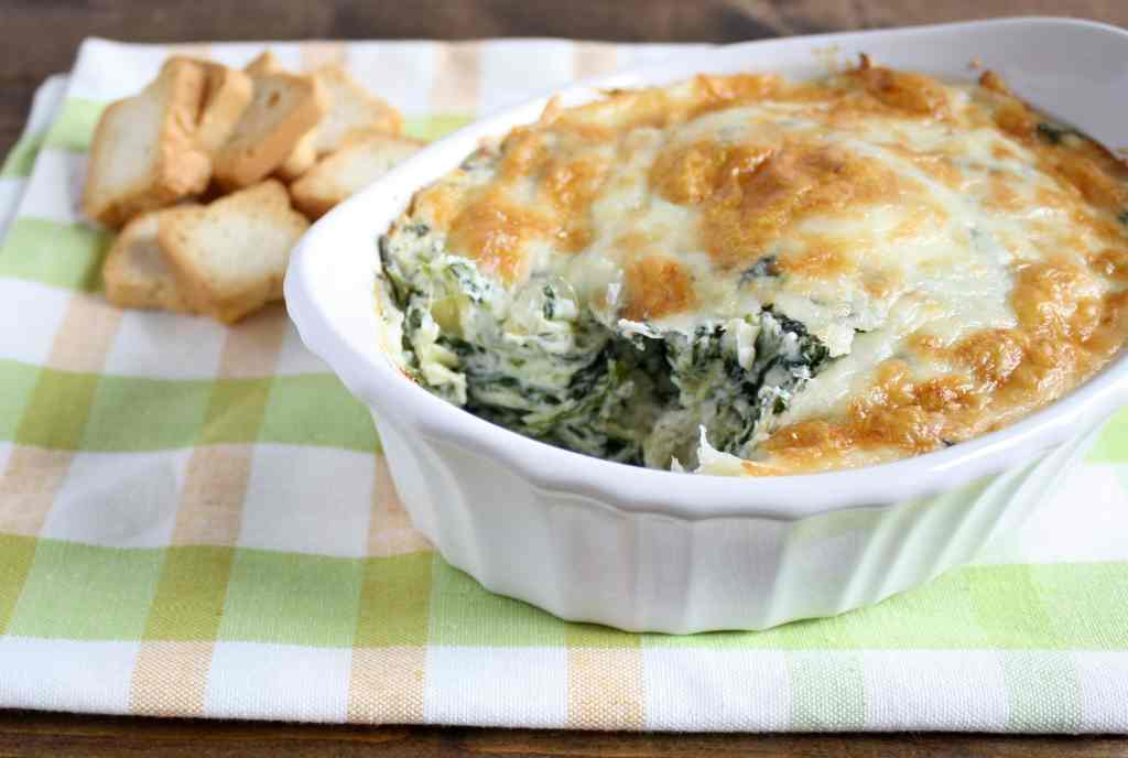 This skinny spinach artichoke dip is lightened up by using low fat ...