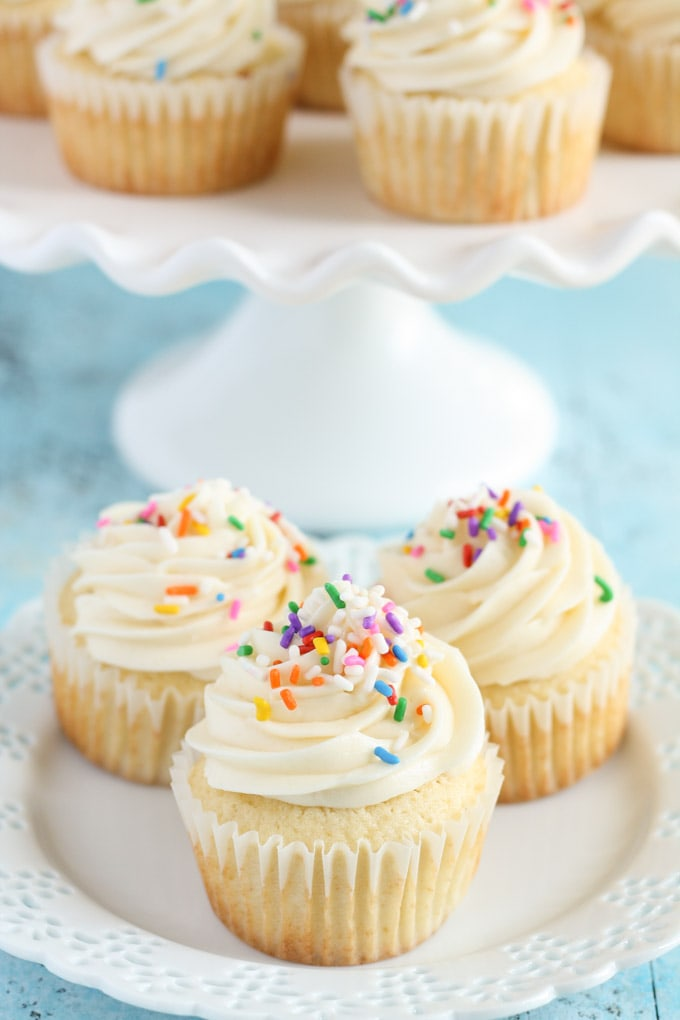 Easy vanilla cupcake recipe 24