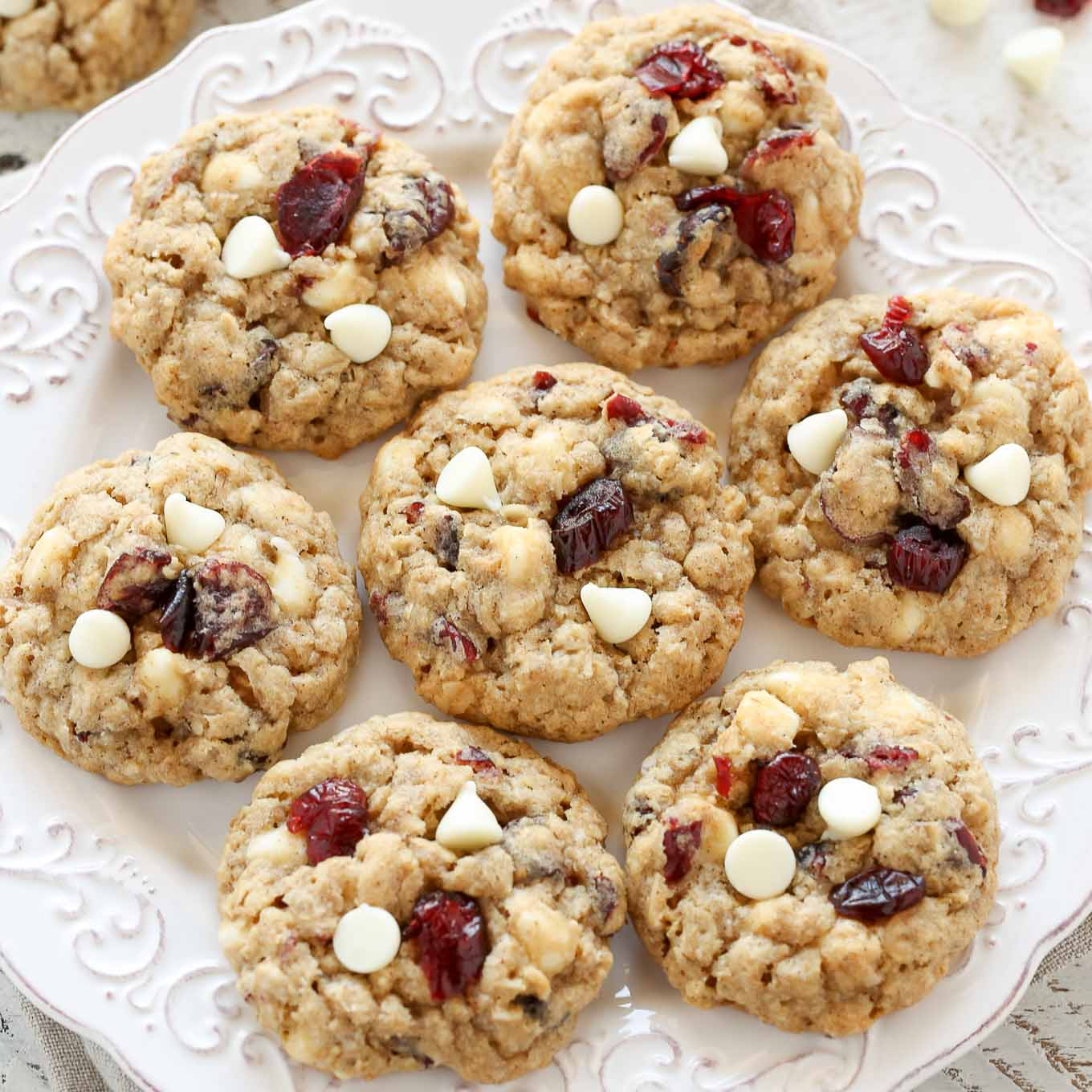 Soft And Chewy White Chocolate Cranberry Oatmeal Cookies Sq Chunky Bar 100 Gr