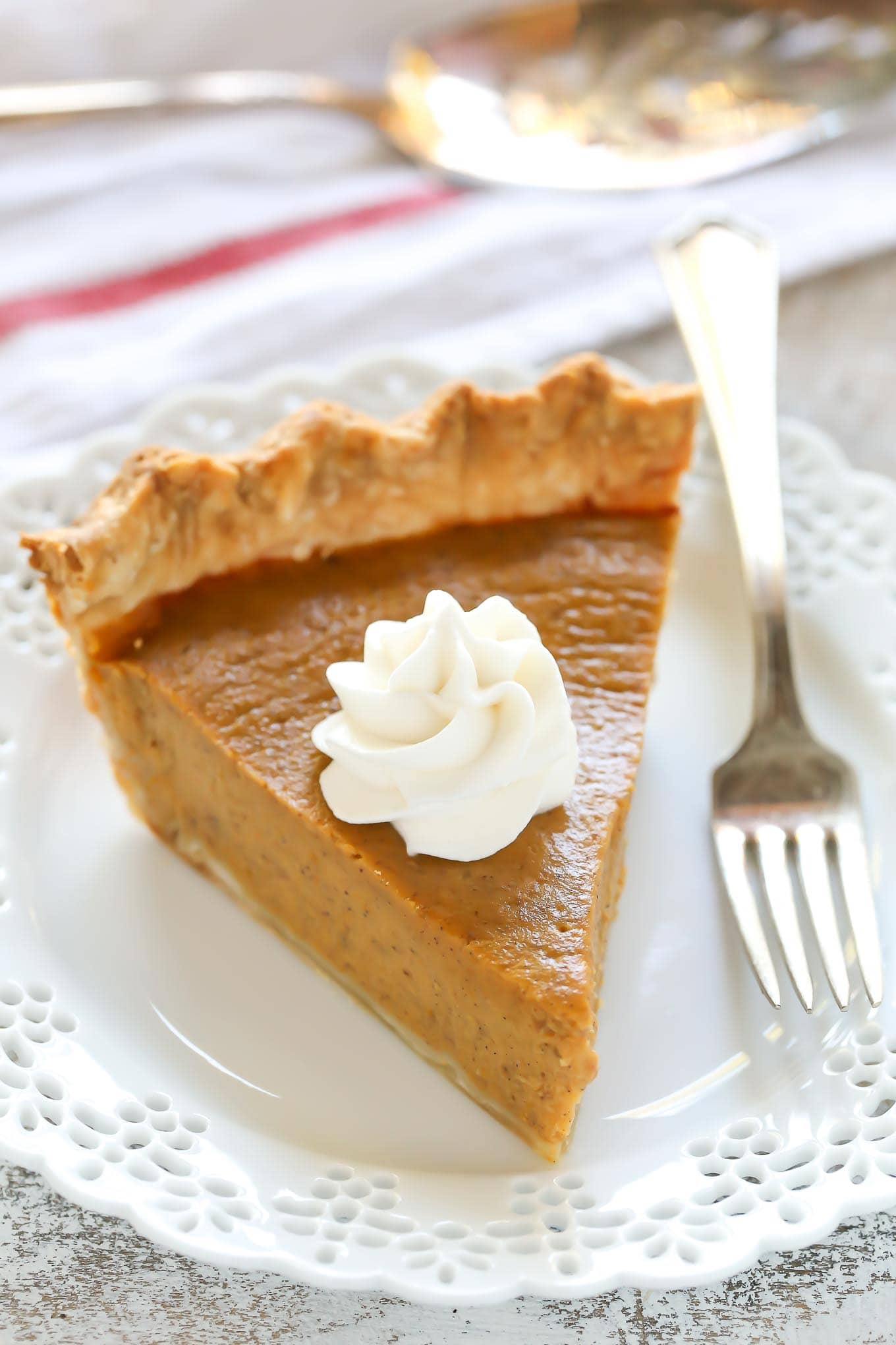How to make pumpkin pie with premade crust