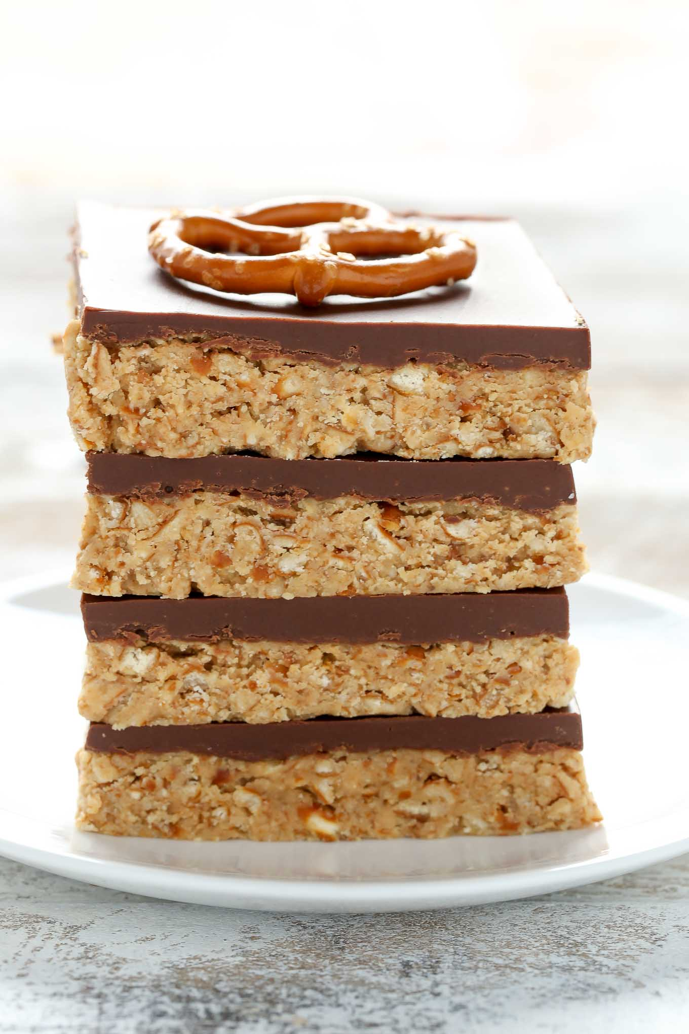These No-Bake Peanut Butter Pretzel bars are the perfect sweet and salty dessert. You only need five ingredients to make these incredibly easy bars too!