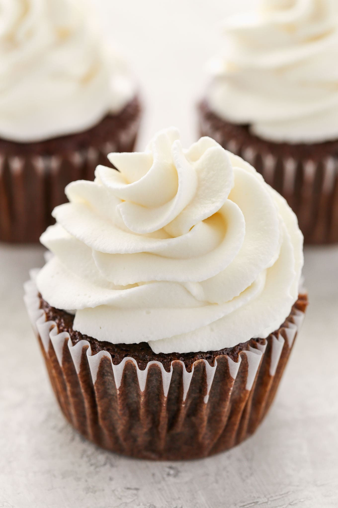 How to make stiff whipped cream icing