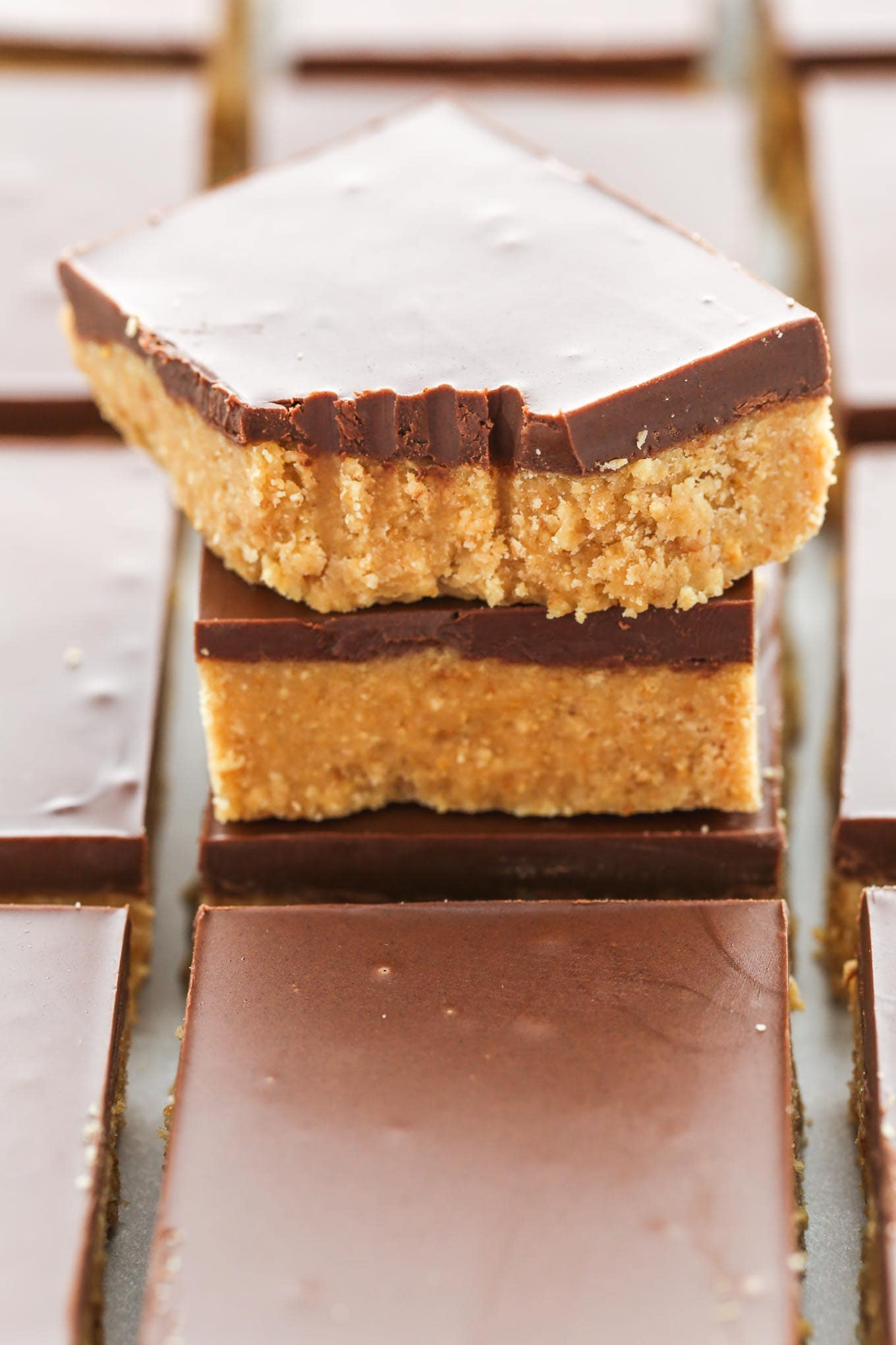 These No-Bake Chocolate Peanut Butter Bars only require 5 simple ingredients and can be prepared in about 10 minutes. The perfect easy dessert for chocolate and peanut butter lovers!