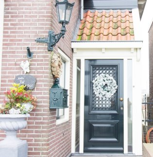 door-netherlands-christmas